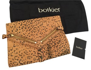 Botkier Leather Animal Gold Hardware Casual Leopard Print Clutch