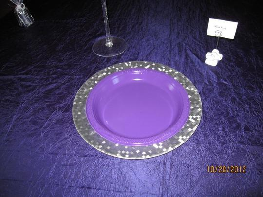 Preload https://item1.tradesy.com/images/silver-chargers-tableware-81950-0-0.jpg?width=440&height=440