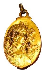 18k gold Art Nouveau locket