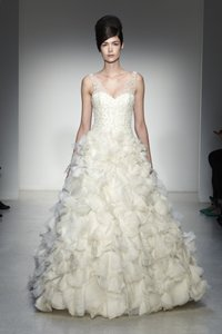 KENNETH POOL Vittoria K430 Wedding Dress