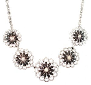 Grace Adele NWOT Black Daisy Chain Necklace