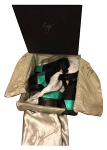 Giuseppe Zanotti Green with black Wedges