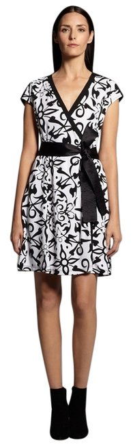 Preload https://img-static.tradesy.com/item/8204509/narciso-rodriguez-black-and-white-wrap-short-cocktail-dress-size-2-xs-0-5-650-650.jpg