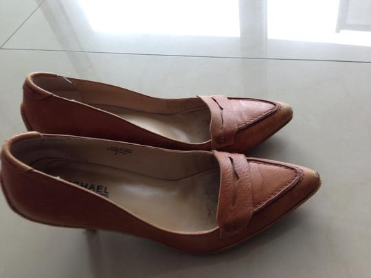 Michael Kors Vintage Leather Heels Tan / Brown Pumps