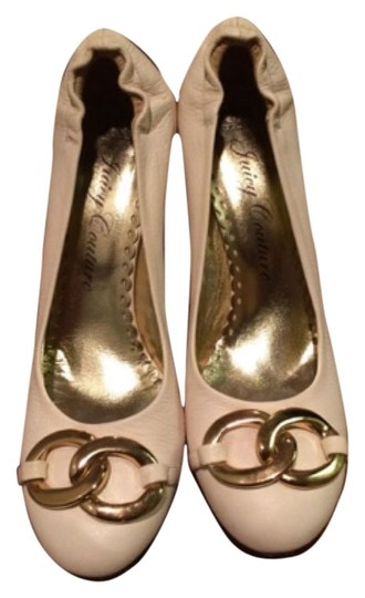 Preload https://img-static.tradesy.com/item/8206195/juicy-couture-white-leather-with-gold-details-pumps-size-us-10-regular-m-b-0-2-540-540.jpg