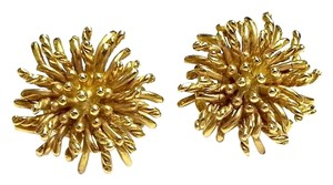 Tiffany & Co. Tiffany & Co. Mid-Century 18 Karat Gold Anemone Clip on Earrings
