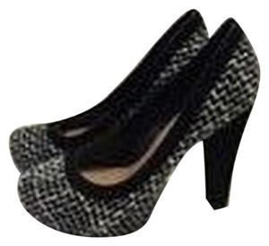 Jessica Simpson Black and White Tweed Pumps