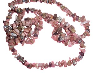 Pink Rhondonite gemstone chunk chip necklace 70s flower child hippy chick fashion trend bohemian spring 2015