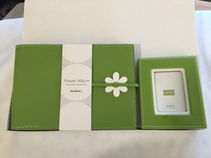 Great Gift Set !!!---new Adorable Flower Picture Frame And Matching Photo Album In Original Packaging