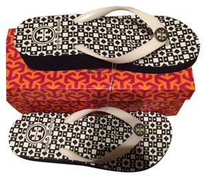 Tory Burch Flip Flops Size 9 Black and White Sandals