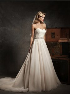 Justin Alexander 8638 Wedding Dress
