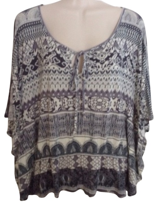 Preload https://item4.tradesy.com/images/forever-21-blue-gray-white-tribal-tunic-size-12-l-824553-0-0.jpg?width=400&height=650