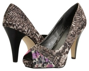 Madden Girl Gray Purple Pink Pumps