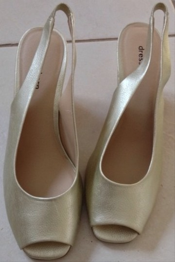 Dress Barn Gold Wedges