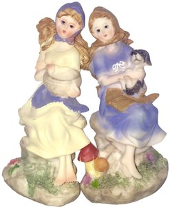 Set of two porcelain figurines