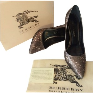 Burberry Prorsum Silver Pumps