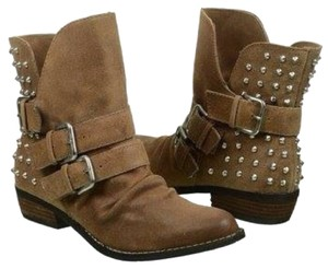 Dolce Vita Malika Studded Ankle Pointy Suede Camel Brown Boots