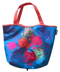 Colorful Water Beach Tote in Blue