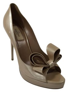 Valentino Heels Bow Heels Patent Leather Heels Beige Pumps