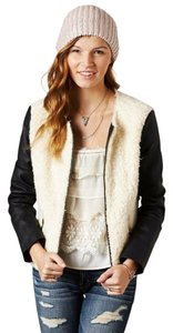 American Eagle Outfitters Faux Sherpa Poly-fill Cream Jacket