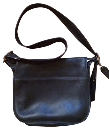 Preload https://item2.tradesy.com/images/coach-crossbody-4150-vtg-soho-fletcher-flap-black-soft-leather-shoulder-bag-825856-0-0.jpg?width=440&height=440