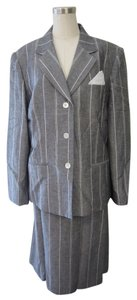 Le Suit LeSuit Grey and White Striped Linen 2 Piece Jacket/Skirt Set Size 18