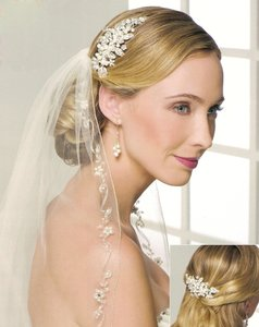 Crystals And Pearls Bridal Comb
