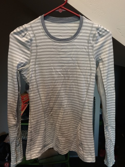 Item - Silver Spoon White Narrow Multi Stripe/Heathered Silver Spoon Back On Track Activewear Top Size 4 (S, 27)