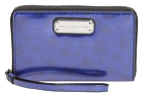 Preload https://img-static.tradesy.com/item/8270845/marc-by-marc-jacobs-blue-leopard-metallic-wristlet-new-with-tags-wallet-0-2-540-540.jpg