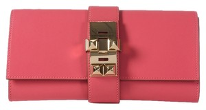 Hermès Rose Medor 23 Tadelakt Leather Hr.j0921.09 Clutch