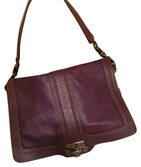 Preload https://img-static.tradesy.com/item/8276218/cole-haan-purple-leather-with-embossed-snake-on-trim-cross-body-bag-0-2-540-540.jpg