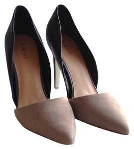 JustFab Very light gray and navy Pumps