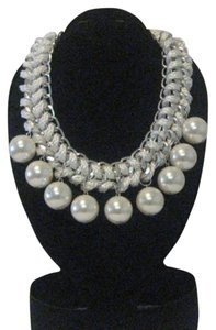 WHITE PEARL CHUNKY ROPE NECKLACE WITH SILVER HARDWARE