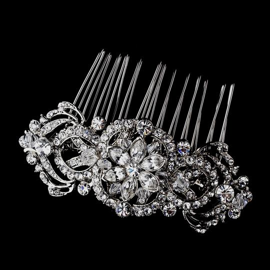 Preload https://img-static.tradesy.com/item/8278900/elegance-by-carbonneau-silver-vintage-look-crystal-comb-hair-accessory-0-2-540-540.jpg