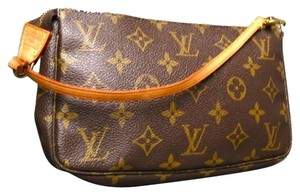 Louis Vuitton Handbag Pochette Accessories Monogram Handbag Crossbosy Sale Wristlet in Brown