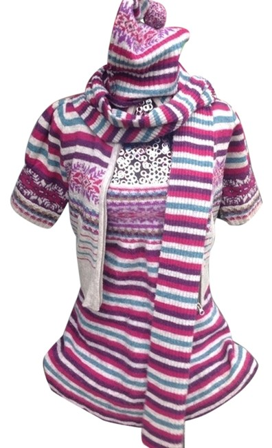 Preload https://item2.tradesy.com/images/victoria-s-secret-multicolor-moda-international-sweater-set-above-knee-short-casual-dress-size-8-m-8285041-0-2.jpg?width=400&height=650