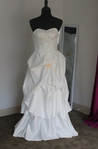 1021 Wedding Dress