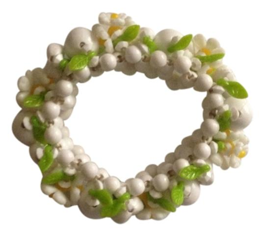 Preload https://img-static.tradesy.com/item/829227/not-rated-multi-colors-white-and-green-center-of-each-flower-is-yellow-vintage-tropical-stretchable-0-0-540-540.jpg