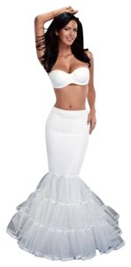 Brand New Merry Modes White Trumpet Mermaid Style Slip