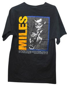 Down Beat by Fruit of the Loom Jazz Music Musician T Shirt black with yellow, blue, white