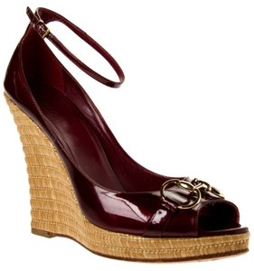 Gucci Bamboo Wedge Heels Burgundy Wedges