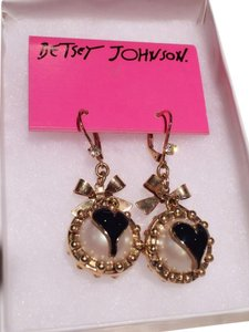 Betsey Johnson Betsey Johnson Pearl Bow Earrings