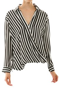 CIEL Stripe Twist Light Weight Top Black and White