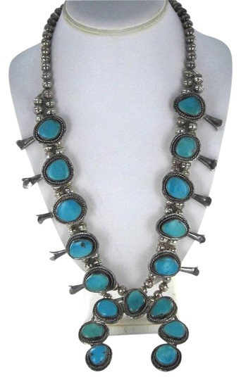 Preload https://img-static.tradesy.com/item/830922/silver-vintage-native-american-turquoise-sterling-blossom-squash-huge-necklace-0-0-540-540.jpg