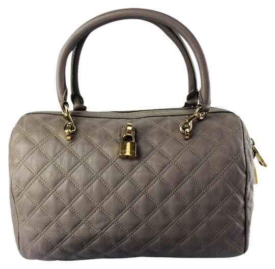 Preload https://img-static.tradesy.com/item/8317213/marc-jacobs-quilted-westside-boston-grey-leather-satchel-0-2-540-540.jpg