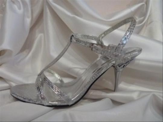 Special Occasions By Saugus Shoe Ashley Size 7.5 Silver Wedding Shoes