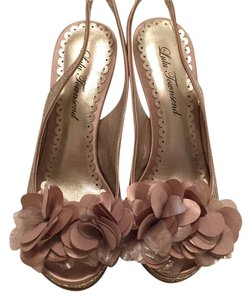 Lulu Townsend Gold/champagne Formal