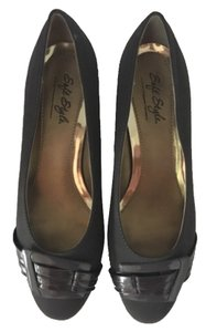 Soft Style by Hush Puppies Low Heel grey Pumps