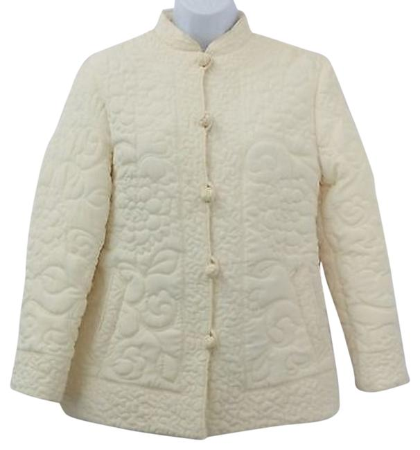 Preload https://img-static.tradesy.com/item/8324350/beige-vintage-quilted-buttoned-chest-38-inches-size-8-m-0-5-650-650.jpg