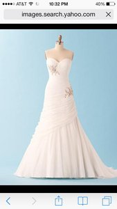 Alfred Angelo 221 Wedding Dress